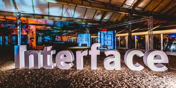 Der Deutschlandsitz von Interface befindet sich jetzt in Ludwig Mies van der Rohes weltweit einzigem Industriebau un Krefeld.