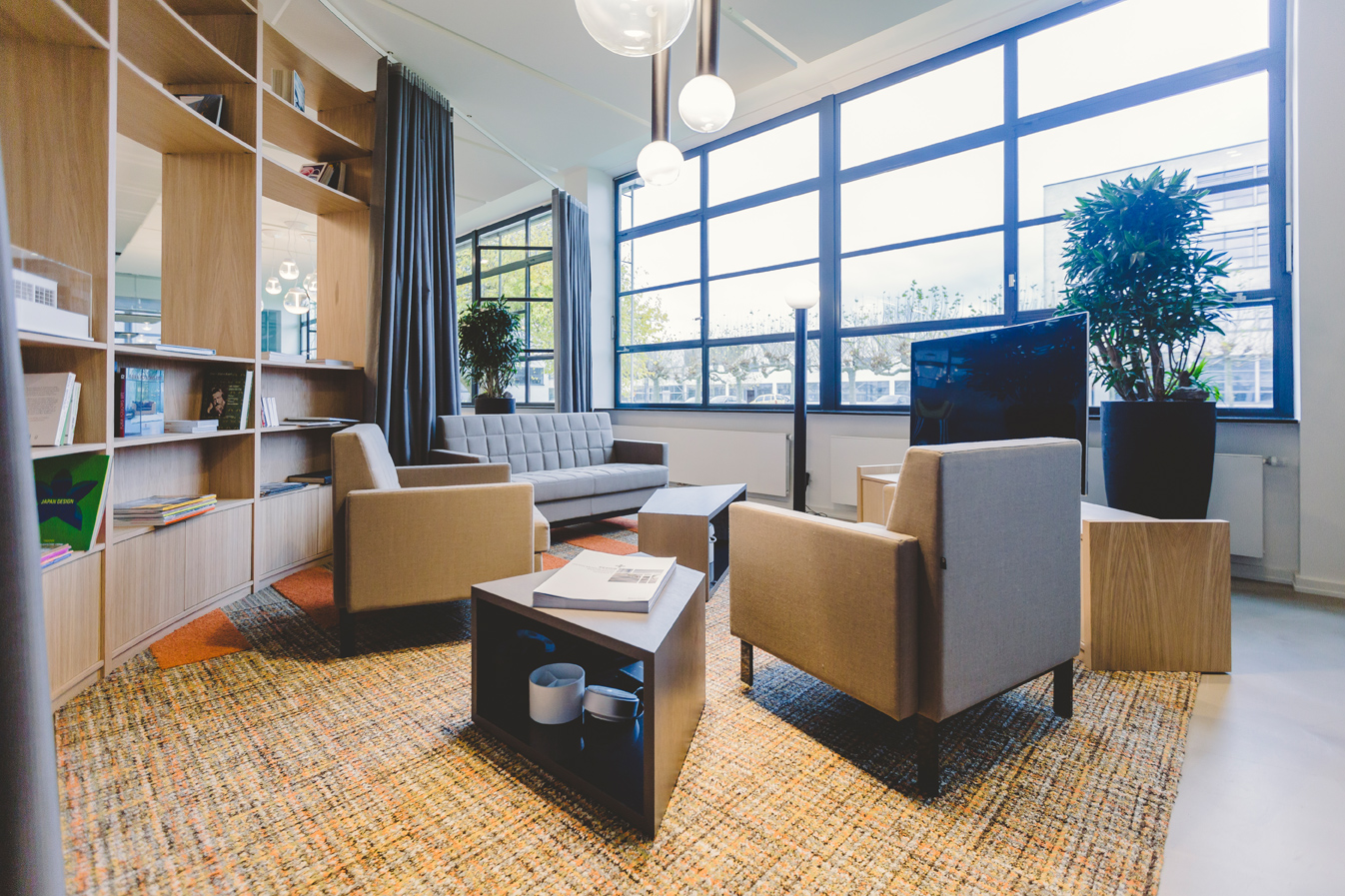 If-office-krefeld_lounge__lichthalle-krefeld