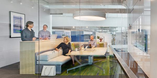 Die ideale Arbeitsumgebung sollte Führungskräfte und Angestellte gleichermaßen unterstützen. (Foto: Steelcase)