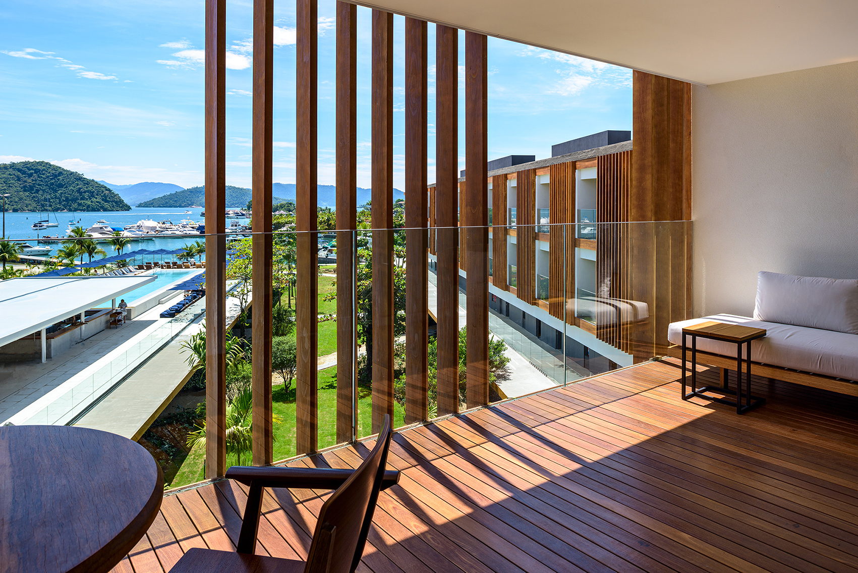 Art_of_travel_fasano_angra_dos_reis_balcony_suite