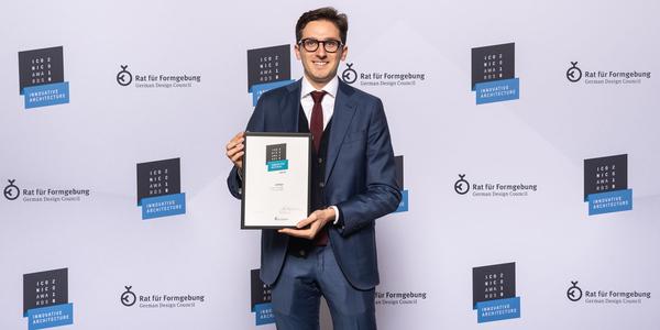 News_big_news_huge_iconic-award