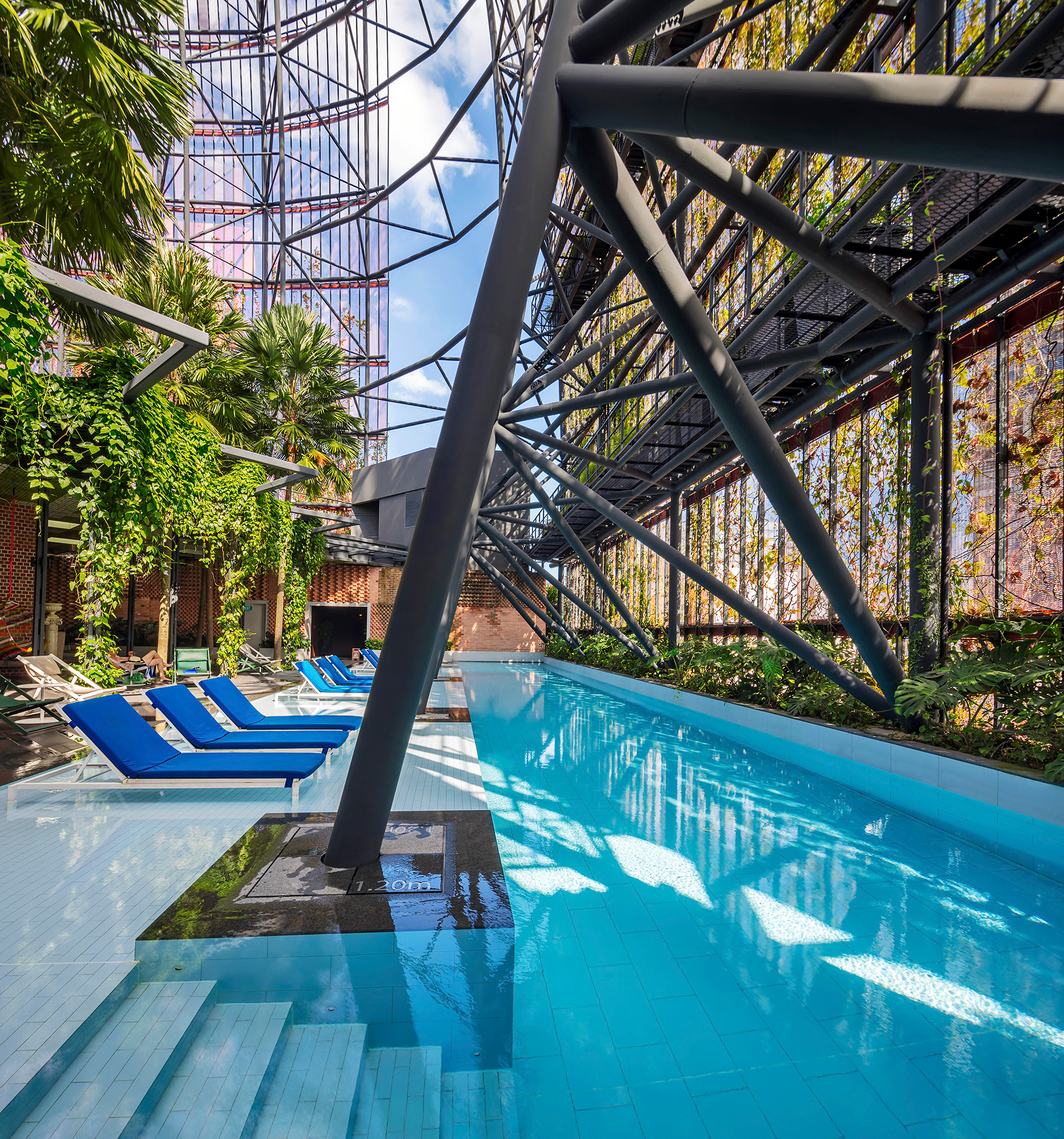 Oasia-hotel-singapore_motiv-12